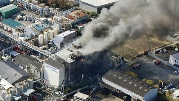 Взрыв и пожар на японской фабрике по производству чернил для принтеров