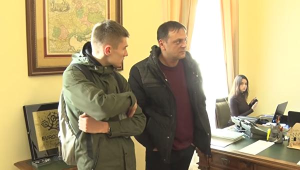 Вмэрию Львова ворвались «атошники» итребуют отставки городского головы