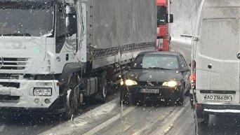 Пробки и заторы на трассах в Закарпатье