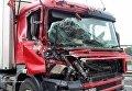 В Запорожской области военный тягач смял фуру
