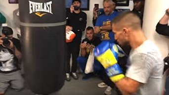 Ломаченко и Ригондо провели открытую тренировку в Нью-Йорке. Видео