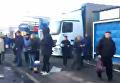 В Киеве владельцы разрушенных киосков перекрыли улицу. Видео