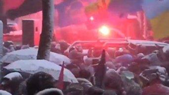 Сторонники Саакашвили пришли под магазин Попрошенко. Видео