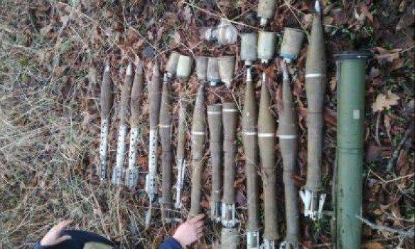 Таможенники обнаружили вДонецкой области тайник с русским оружием