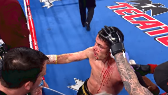 По стопам Тайсона. Мексиканский боксер едва не оторвал ухо сопернику. Видео