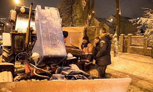 Кличко проконтролировал ночную уборку снега в Киеве