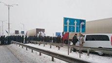 Аграрии перекрыли трассу в Черкасской области
