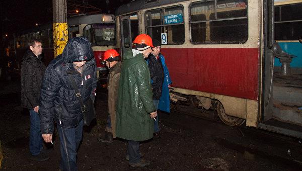 Трамвай переехал мужчину в Днепре