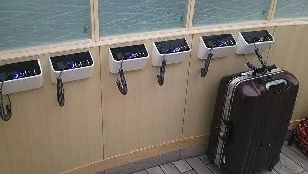 В центре Токио в туалете ж/д станции устроили терминал для багажа