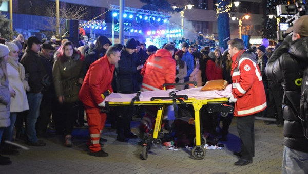 ВИвано-Франковске нановогоднем празднике петарда угодила влицо 17-летней девушке