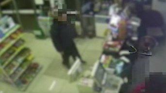 Южнокореец инсценировал ограбление, чтобы попасть в тюрьму. Видео