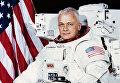 Американский астронавт Брюс Маккэндлесс
