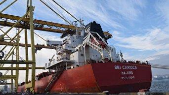 Судно из США доставило кокусующийся уголь в Украину
