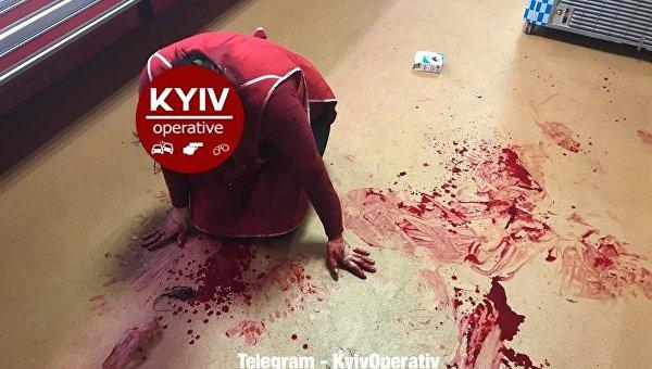 ВКиеве преступник  сножом напал наженщину-продавца