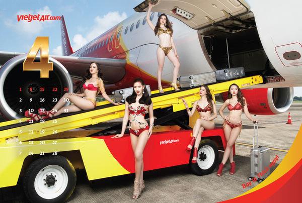 Стюардессы в бикини в календаре вьетнамской авиакомпании Viet Jet