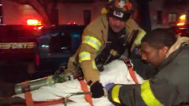 Пожар в жилом доме в Бронксе (Нью-Йорк). Спасательная поерация