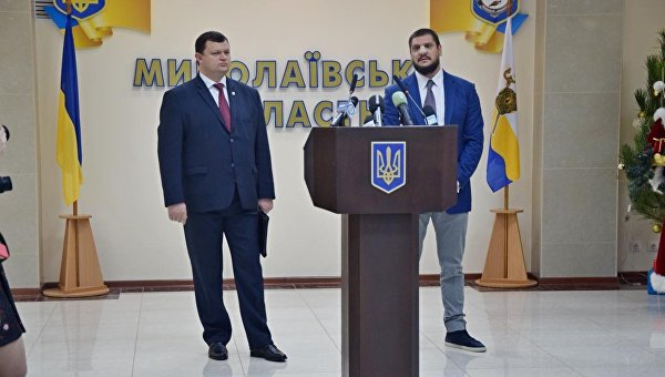 Прокурор Николаевской области Тарас Дунас (слева) и губернатор Николаевской области Алексей Савченко (справа)