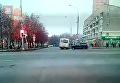 СМИ выложили новое видео наезда автобуса на остановку в Москве. Видео