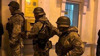 Захватчик здания Укрпочты в Харькове задержан, заложники освобождены
