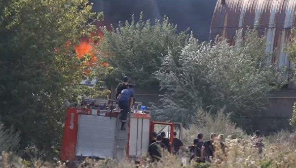 Жуткий пожар на складах вторсырья в Днепре