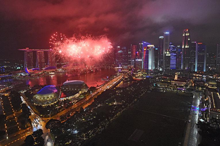 Первые минуты Нового 2018 года в Сингапуре