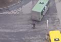 На видео попал момент наезда автобуса на пенсионерку в Каменском. Видео
