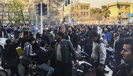 Масштабные акции протесты в Тегеране
