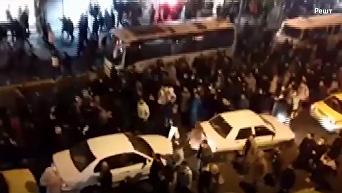 Иран бунтует. Протесты в 11 городах собрали в одно видео. Видео