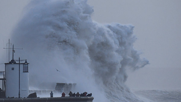 На Британию обрушился шторм Элеонор
