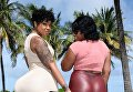 Мисс Майами Кортни Барнз с ягодицами 1,5 метра в обхвате
