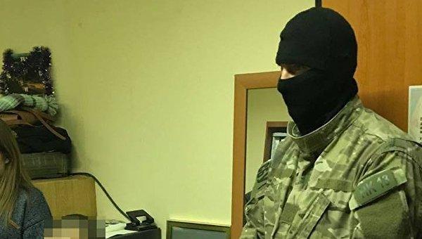 Сотрудники СБУ задержали в Харькове двоих сотрудников Государственной фискальной службы по подозрению в получении взятки