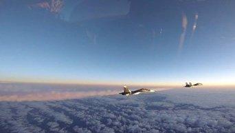 Сопровождения двух российских истребителей в Балтийском регионе. Видео