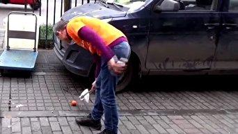 Китайский бизнесмен в течение трех лет убирает улицу
