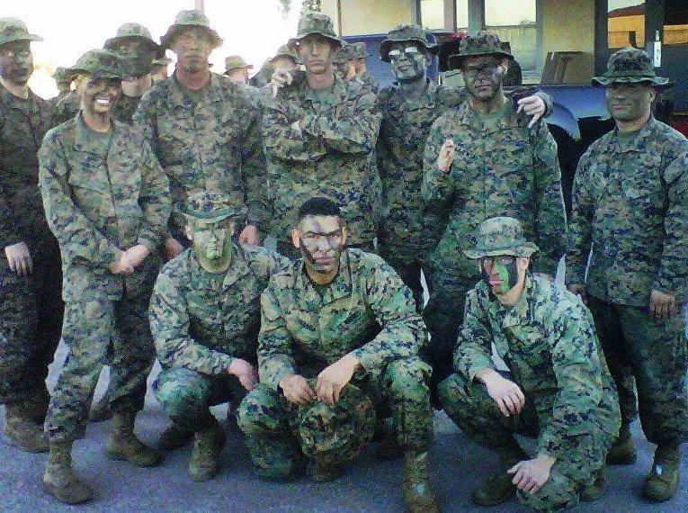 Секретное оружие США, соблазнительная сержант морской пехоты Шэнон