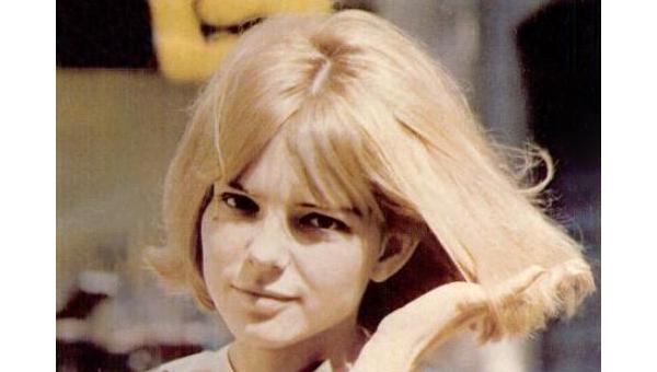 На71-м году жизни скончалась французская эстрадная певица Франс Галль