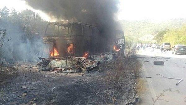 В Венесуэле столкнулись автобус и грузовик