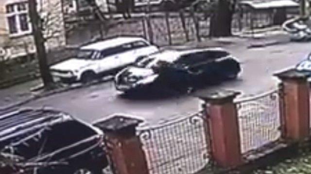 Видео в юко секс в машине на ютубе снятый полицеискими