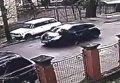 Во Львове женщина-водитель прокатила полицейского на капоте
