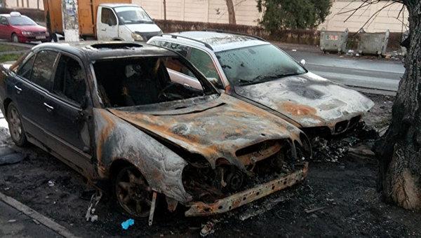 Три легковых автомобиля полыхали вОдессе иПодольске за прошлые сутки