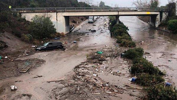 Последствия наводнений и оползней в Калифорнии