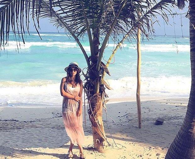Ани Лорак выложила в сети фото в купальнике на пляже в Мексике
