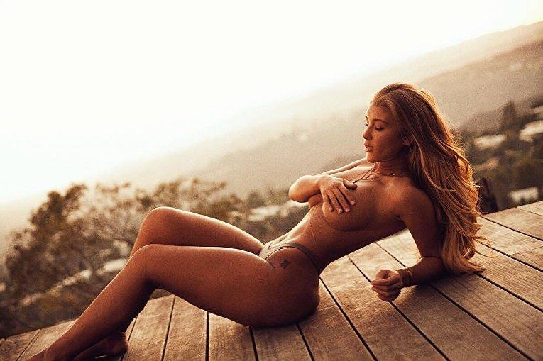 Модель Ники Хитон