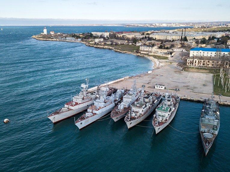 Военные корабли, принадлежащие Украине, в Крыму