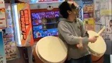 Японец достиг совершенства в игре на музыкальном автомате