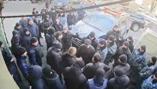 Разборки охранных фирм. Жестокая драка в центре Одессы попала на видео. Видео