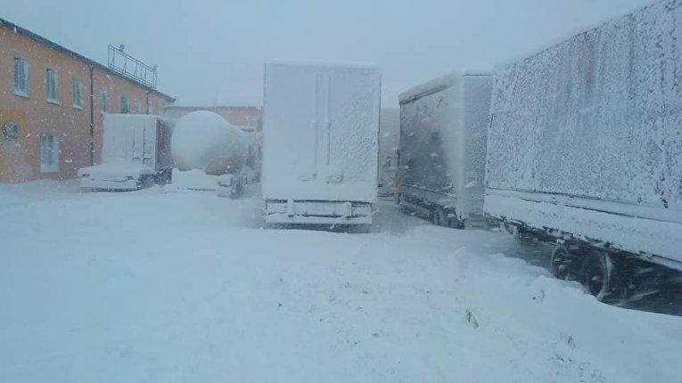 Ситуация на дорогах из-за снегопада 18 января 2018