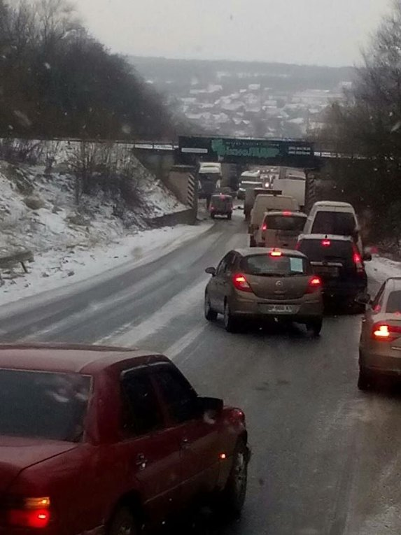 Ситуация на дорогах из-за снегопада 18 января 2018. Дорога на Калуш