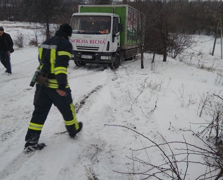 Ситуация на дорогах из-за снегопада 18 января 2018. г. Дружковка, Донецкая область