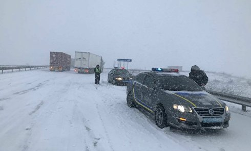 Ситуация на дорогах из-за снегопада 18 января 2018 г. Одесса