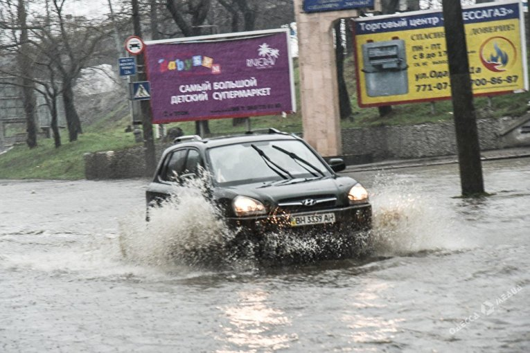 В Одессе затопило улицы